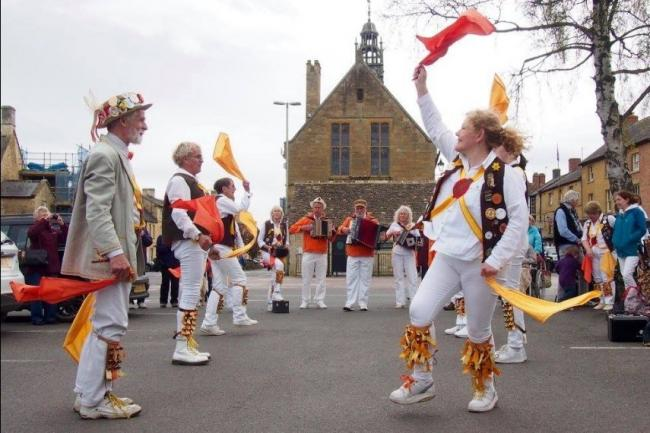 Owlswick Morris in Moreton on Mayday