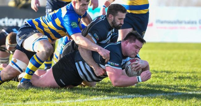 Joe Rees scores Chinnor's first try against Old Elthamians Picture: Simon Cooper