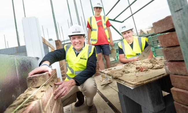 Witney MP Robert Courts with apprentices at Park View. Picture: Pye Homes