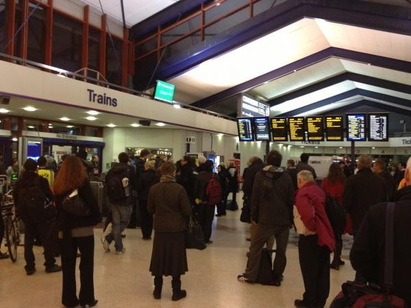 Witney Gazette: Commuters stranded at Oxford train station tonight
