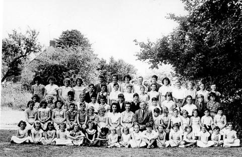 Pupils of Standlake Primary School in 1960