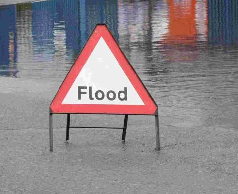 Witney Gazette: FLOODING: Flood warnings on the River Thames, the River Windrush and the River Thame