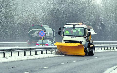A snow plough on the A420 near Cumnor