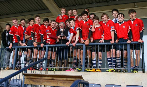 Banbury Under 15s celebrate winning the Oxfordshire League Division 1 title