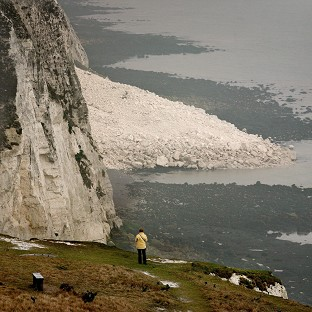 Section of White Cliffs collapses