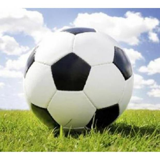 Witney Gazette: YOUTH FOOTBALL: Farrow hits four-timer