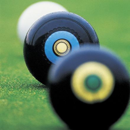 BOWLS: West Witney in sight of crown