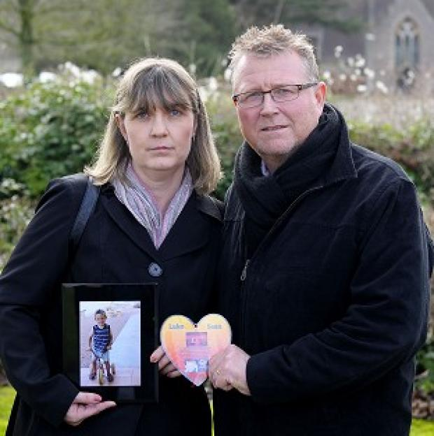 Witney Gazette: Steve and Yolanda Turner, whose son Sean died from a brain haemorrhage after surgery at Bristol's Children Hospital