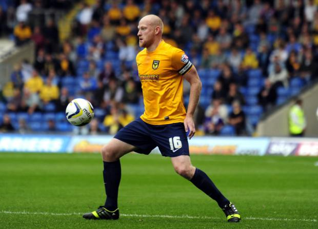 Witney Gazette: Andy Whing has set his sights on bringing Oxford United a much-needed victory tomorrow at Chesterfield