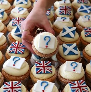Edinburgh bakery Cuckoo's referendum cakes.
