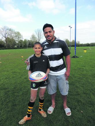 Members of Oxford Harlequins' minis junior section received some top tips from  British Lion and England star Manu Tuilagi and Leicester's Samoan player Logovi'i Mulipola at the Marston Ferry Road training ground this week.  They were there as part of