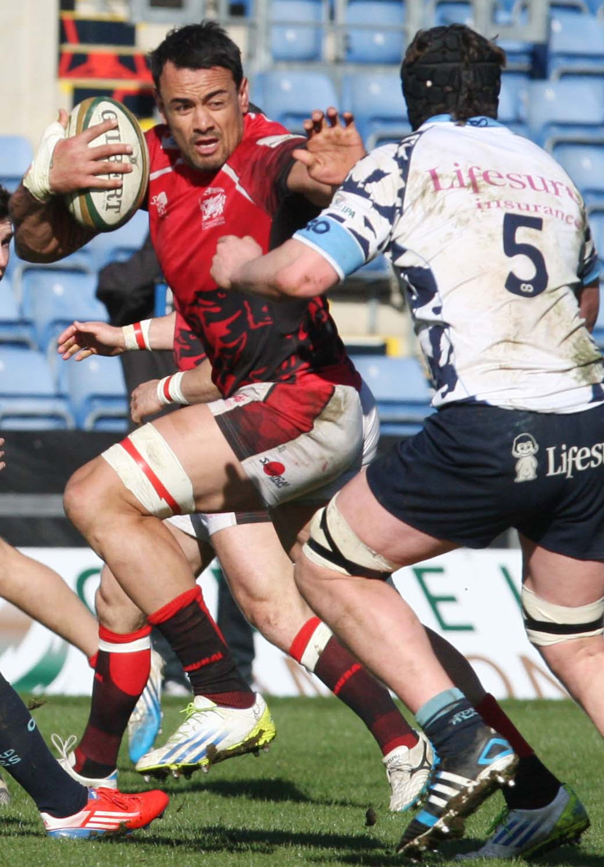 Daniel Browne in action for London Welsh against Bedford at the Kassam Stadium