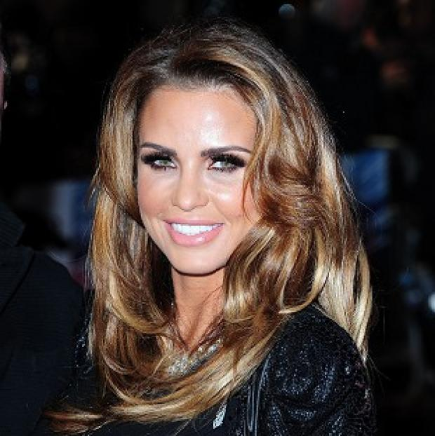 Witney Gazette: Pregnant Katie Price told her fans on Twitter that she is getting divorced