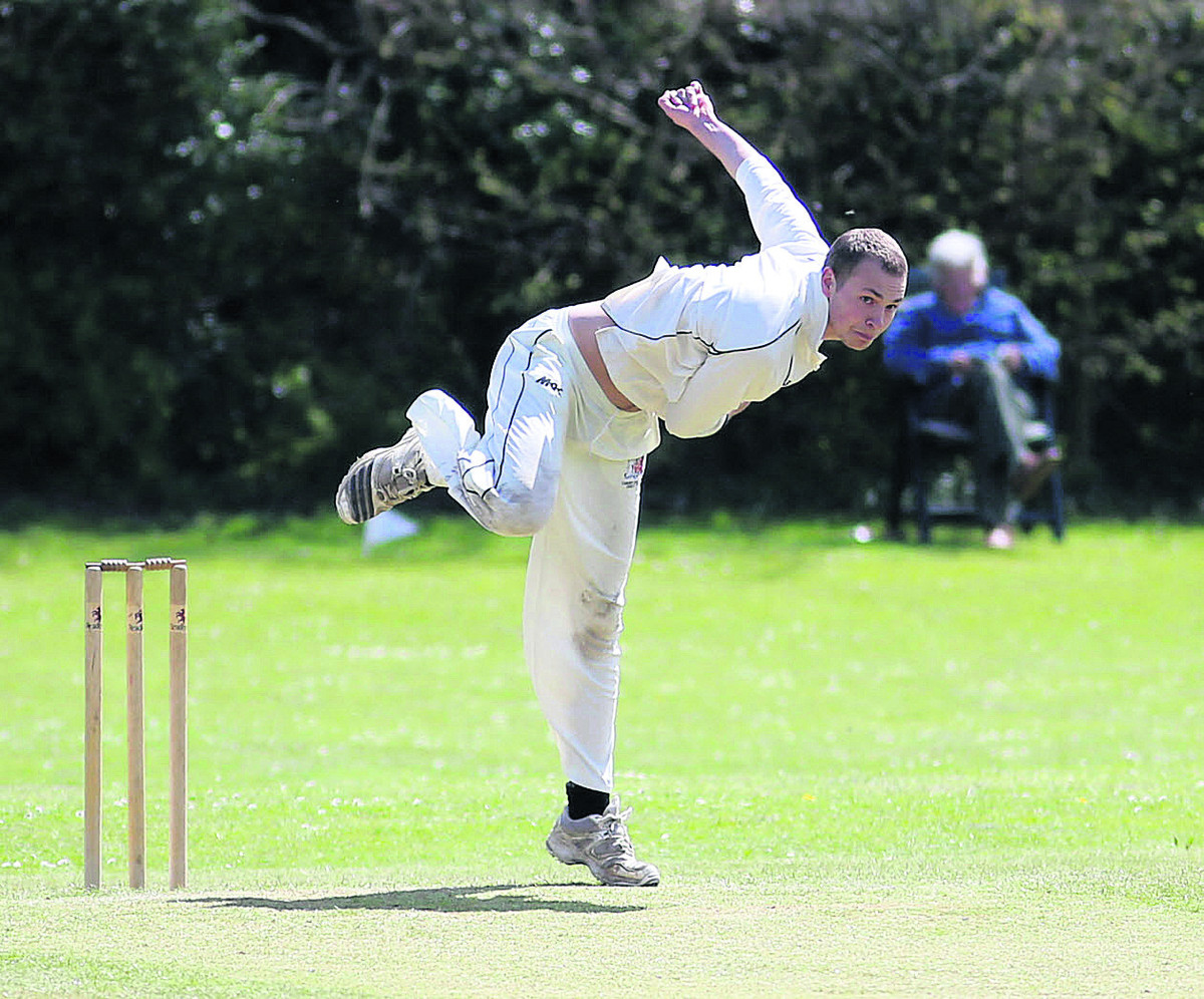 Ben Geeson-Brown took 4-30 and added 41 runs as he helped Division 1 leaders Charlbury to a seven-wicket win against Oxenford on Saturday