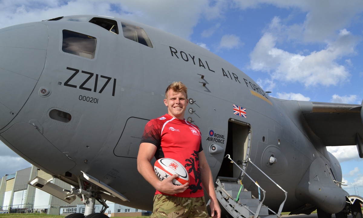 Josh McNally, who is based at RAF Brize Norton, has joined London Welsh from Henley Hawks