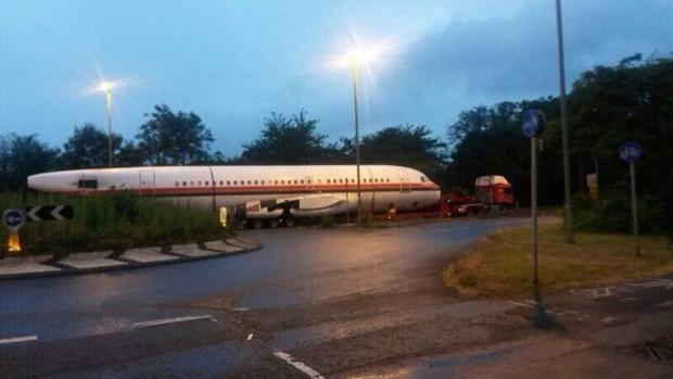 Witney Gazette: You plane-ly do not see this everyday: Airbus on back of lorry headed to Oxford Airport