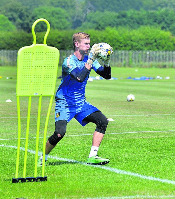 Oxford United sign loan deal for England Under 21 goalkeeper George Long
