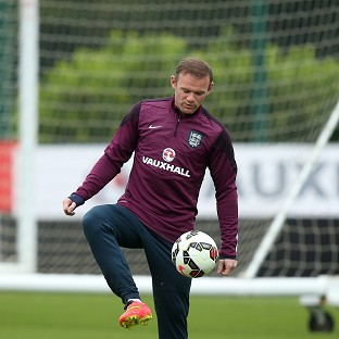 Rooney sets sights on silverware