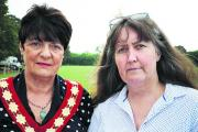 Carterton Mayor Lynn Little and town clerk Caroline Ramsey with the dossier Picture: OX70083 Richard Cave