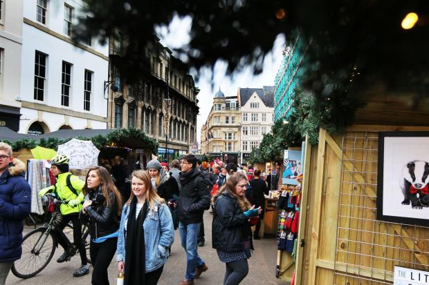 Witney Gazette: Oxford's Christmas Market opens on Broad Street..7.12.2017.Picture by Ed Nix...