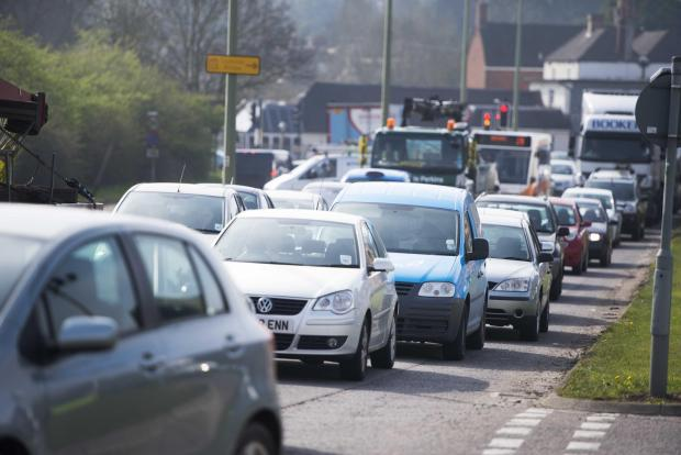 Witney Gazette: The A420 westbound. Traffic queues from Botley road towards Botley interchange. Pic Richard Cave