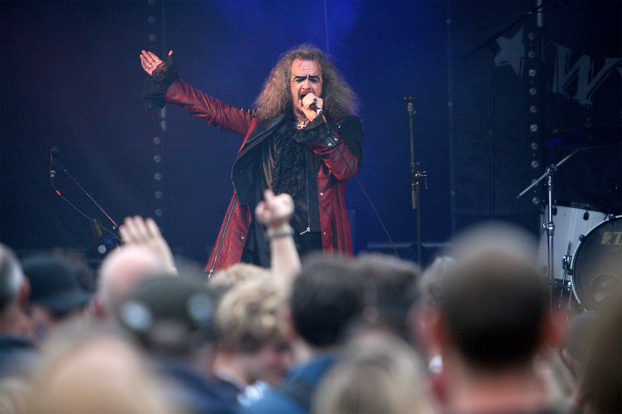 Doctor and the Medics singer Clive Jackson onstage at Witney Music Festival .10/6/17.Picture: Ric Mellis.