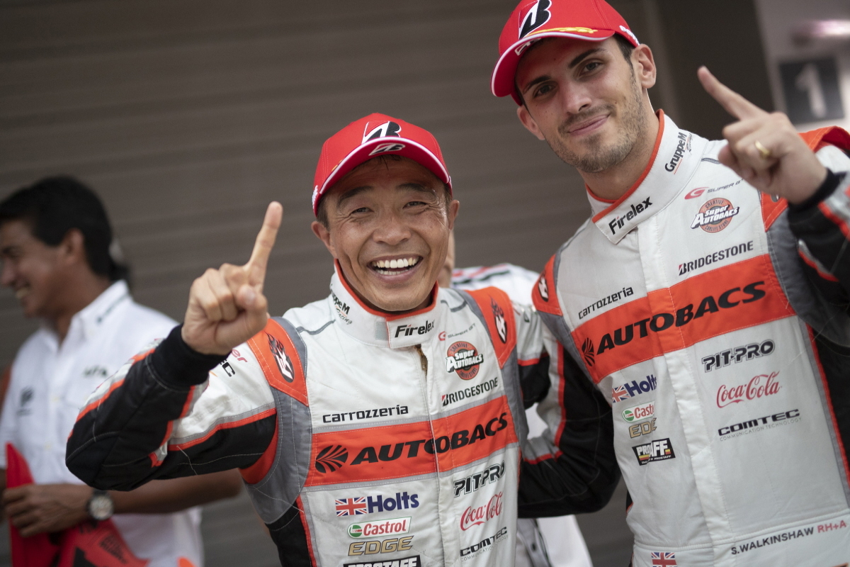 Sean Walkinshaw (right) and Shinichi Takagi are going for the GT300 title in the Super GT Championship Picture: Autobacs Racing Team Aguri