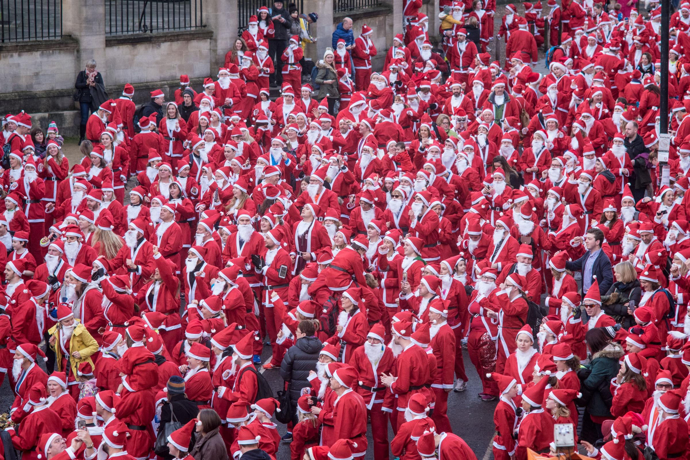Helen & Douglas House hospice's Santa run in 2016